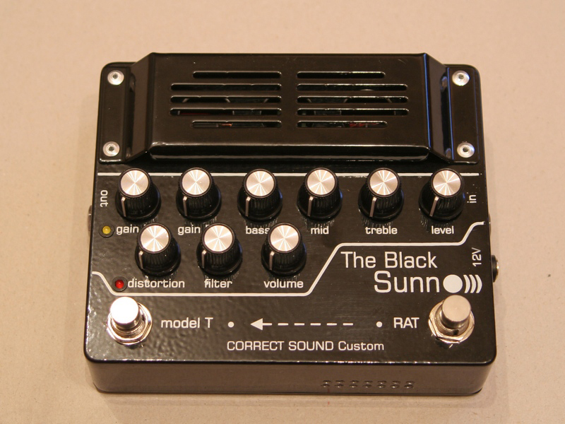 "<p><span style=""font-weight: bold;"">The Black Sunn preamp</span></p>"
